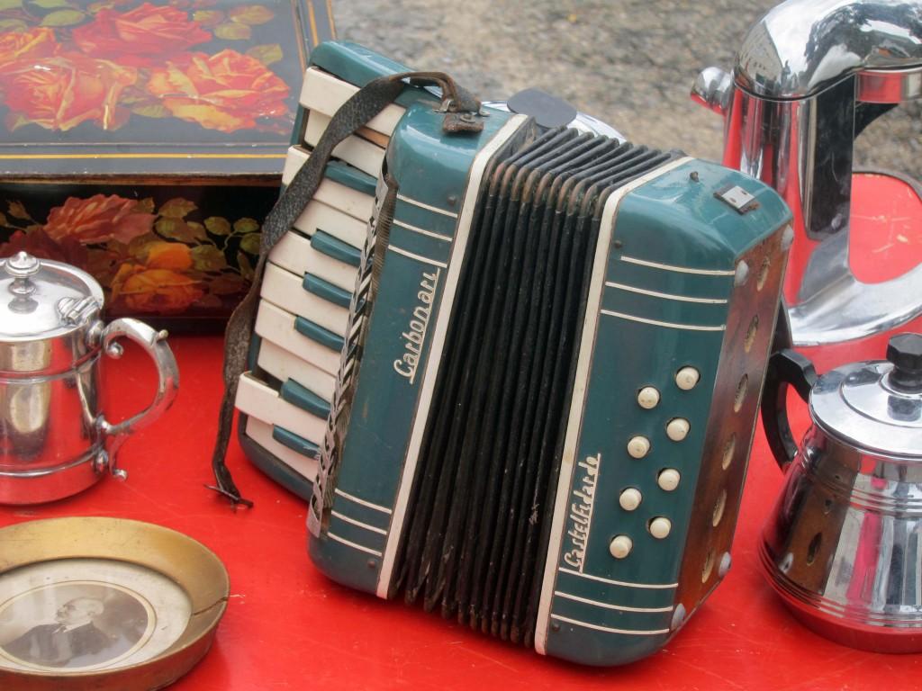 accordian2